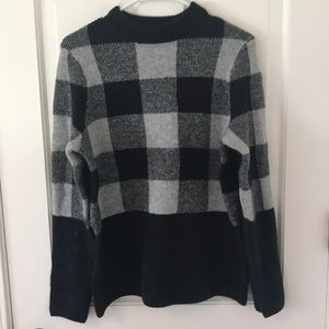 Sweaters - Black and White Checkered Sweater